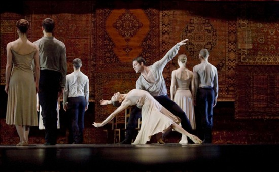 Jiří Kylián's Symphony Of Psalms with Aurelie Cayla, Bastien Zorzetto, and dancers from the Nederlands Dans Theater (Photo by Joris Jan Bos)