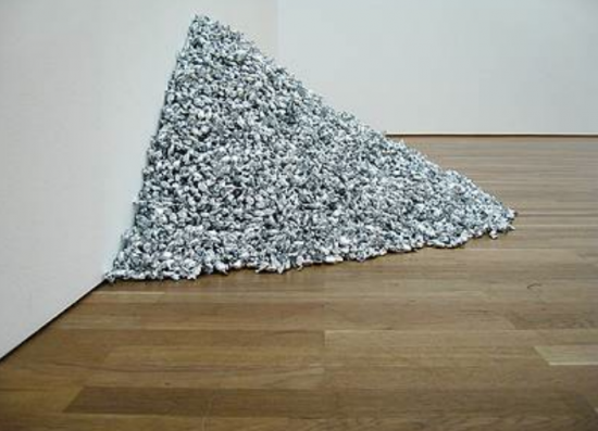Felix Gonzalez-Torres, Untitled (Lover Boys),1991. Endless supply of candies individually wrapped in silver cellophane. (Photo source unknown)
