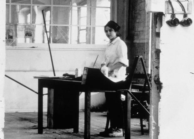 Eva Hesse at work in her studio in Kettwig an der Ruhr, Germany, 1964 / 1965 (Photo by Nathan Kernan © The Estate of Eva Hesse courtesy Hauser & Wirth)