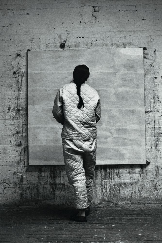 Agnes Martin in her NY Studio 1960. (Photo Alexander Liberman. Source unknown)