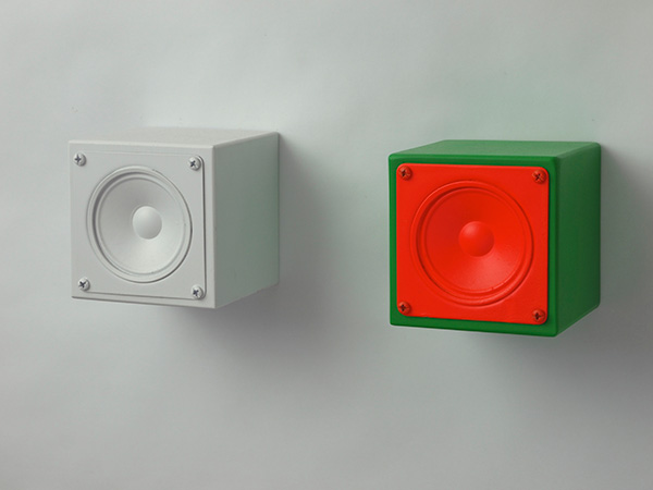 Ted Apel, Production Reproduction, sculpture: loudspeakers, 9 cm x 9 cm x 9 cm. (Photo courtesy the artist)